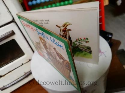 Altes kleines Kartonbilderbuch.
